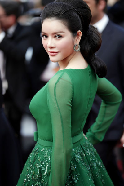 Ly Nha Ky looking good in a green dress