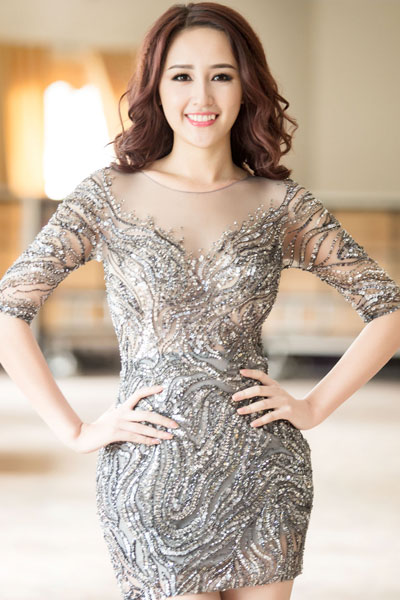 Mai Phuong Thuy in silver glittered dress