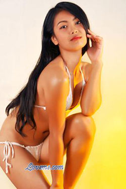 Drop-dead-gorgeous Filipina babe