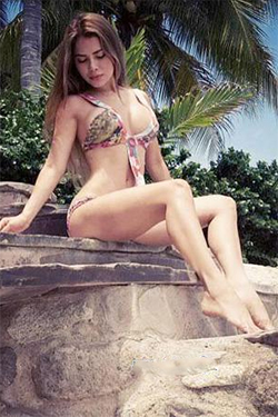 Hot bikini girl from Colombia
