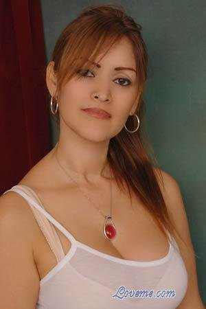 Beautiful Costa Rican woman seeking marriage