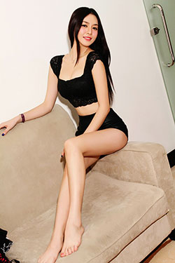 Chinese babe seeking love online