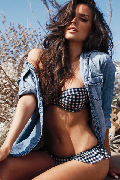 easy on the eye Genesis Rodriguez
