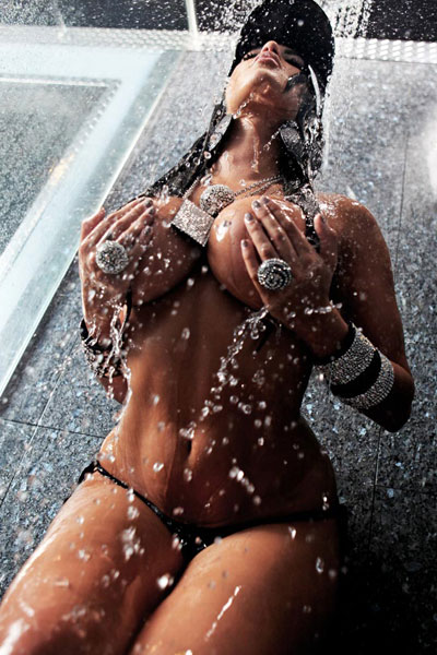 hot in the showers with Claudia Sampedro