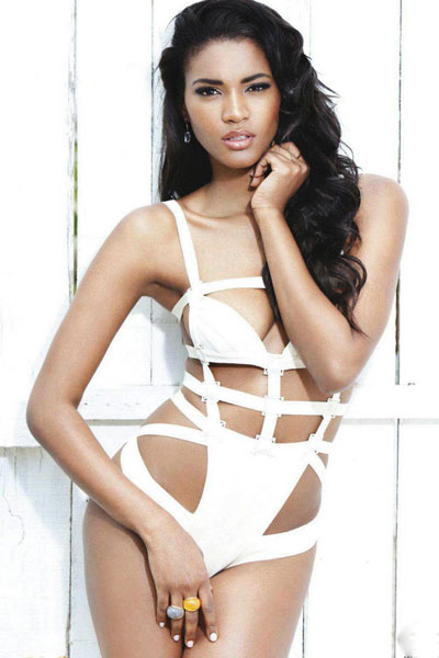 Leila Lopes so charming