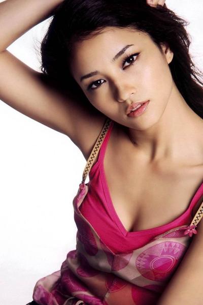 Meisa Kuroki in a simple pink dress