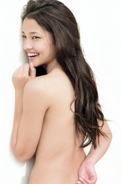 Meisa Kuroki topless flashing a sweet smile