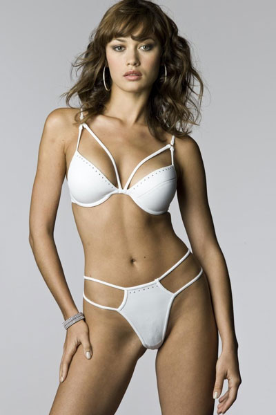 25 Hottest Ukranian Wo... Olga Kurylenko Married