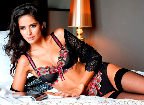 Carla Ossa in bed