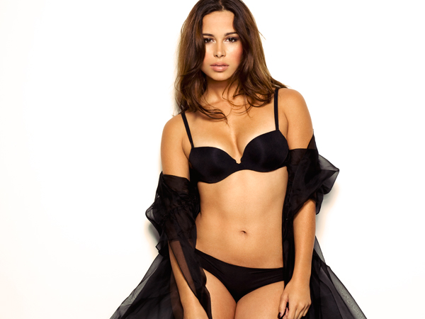 Zulay Henao in bra and panties
