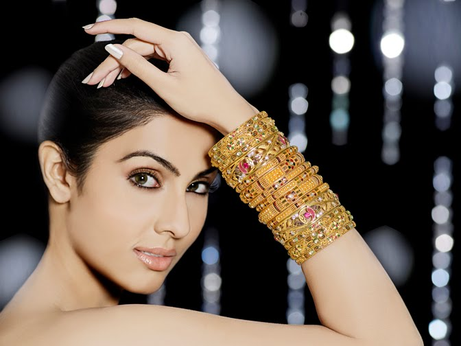 Divya Parameshwaran - Hot Indian Girl