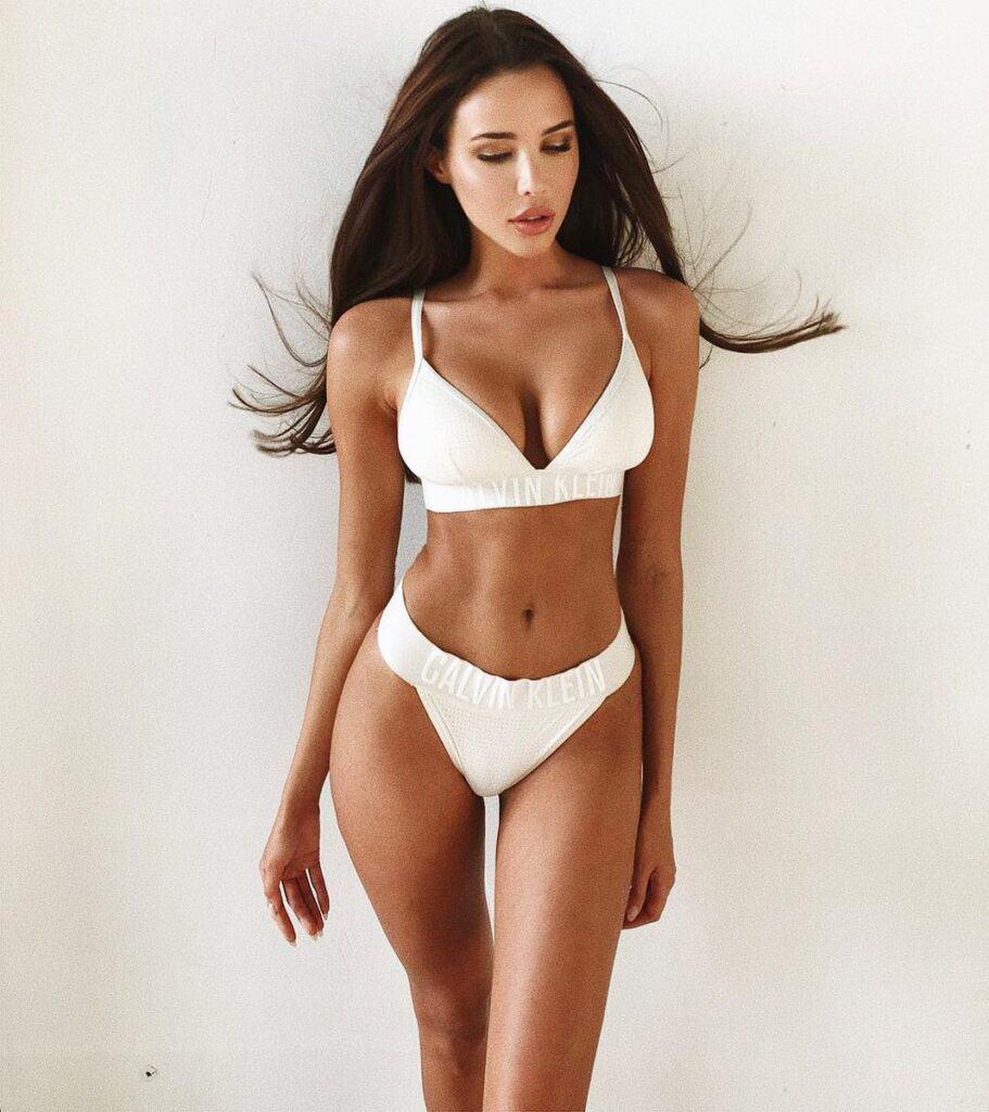Anastasia Reshetova looks outstanding in a white two piece