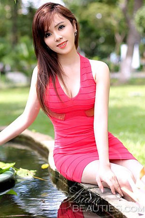 attractive Viet bride
