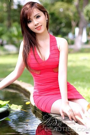 attractive Viet bride