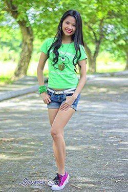 charming Filipina outdoors