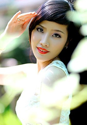 magnificent Viet lady outdoors