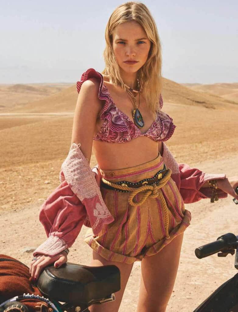 Sasha Luss desert photo