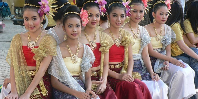 simple Thailand women wearing traditional clothes