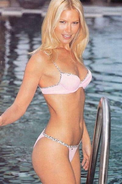 Valeria Mazza hot in the pool