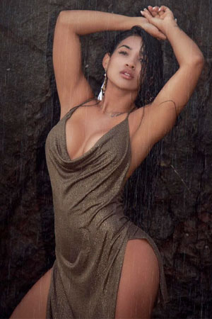 wet and wild Colombian model for marriage