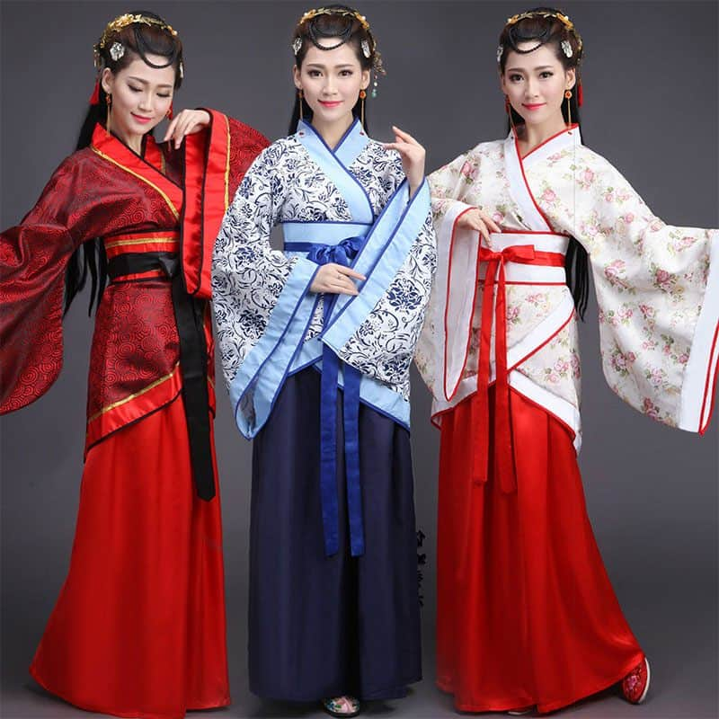 Chinese women in Han Dynasty costume