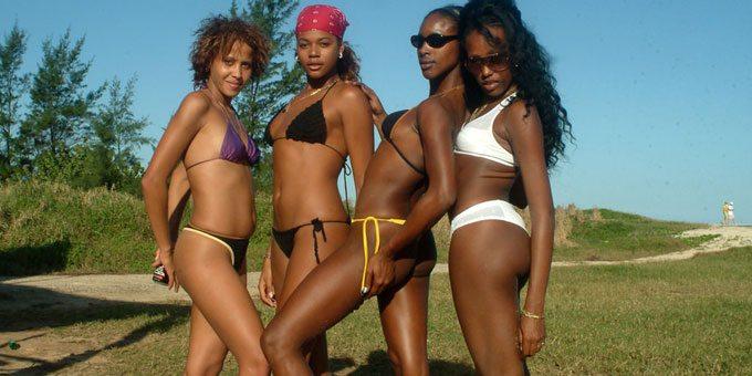 four Cuban bikini babes