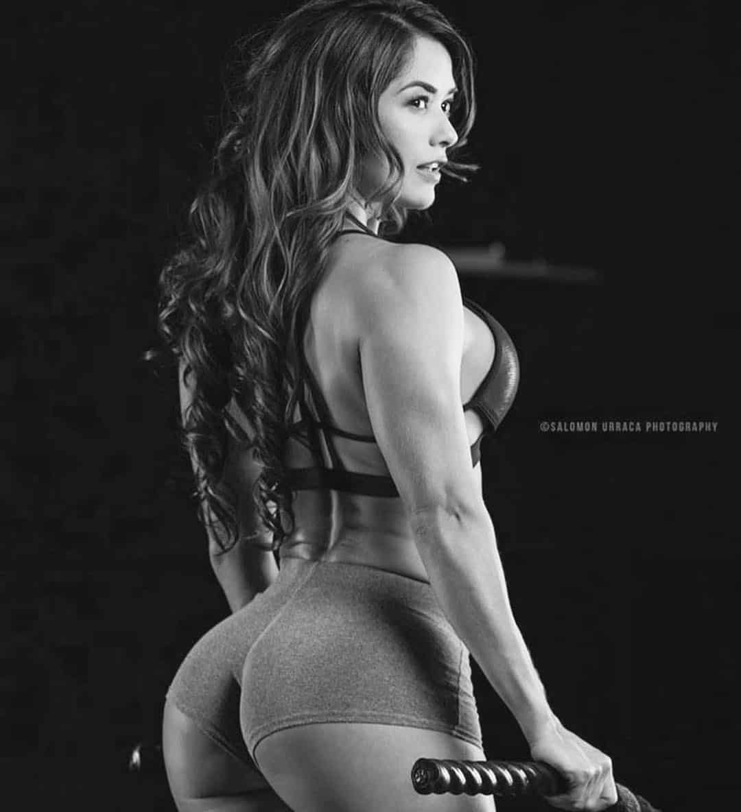 Tatiana Girardi working out