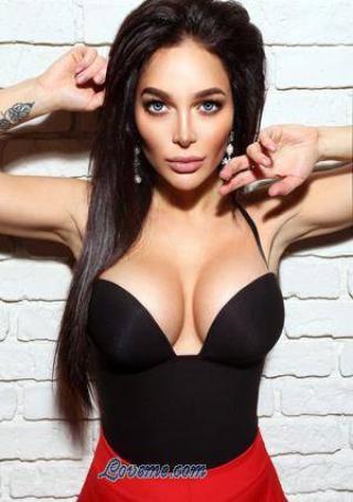 Ukrainian babe hotter than Megan Fox