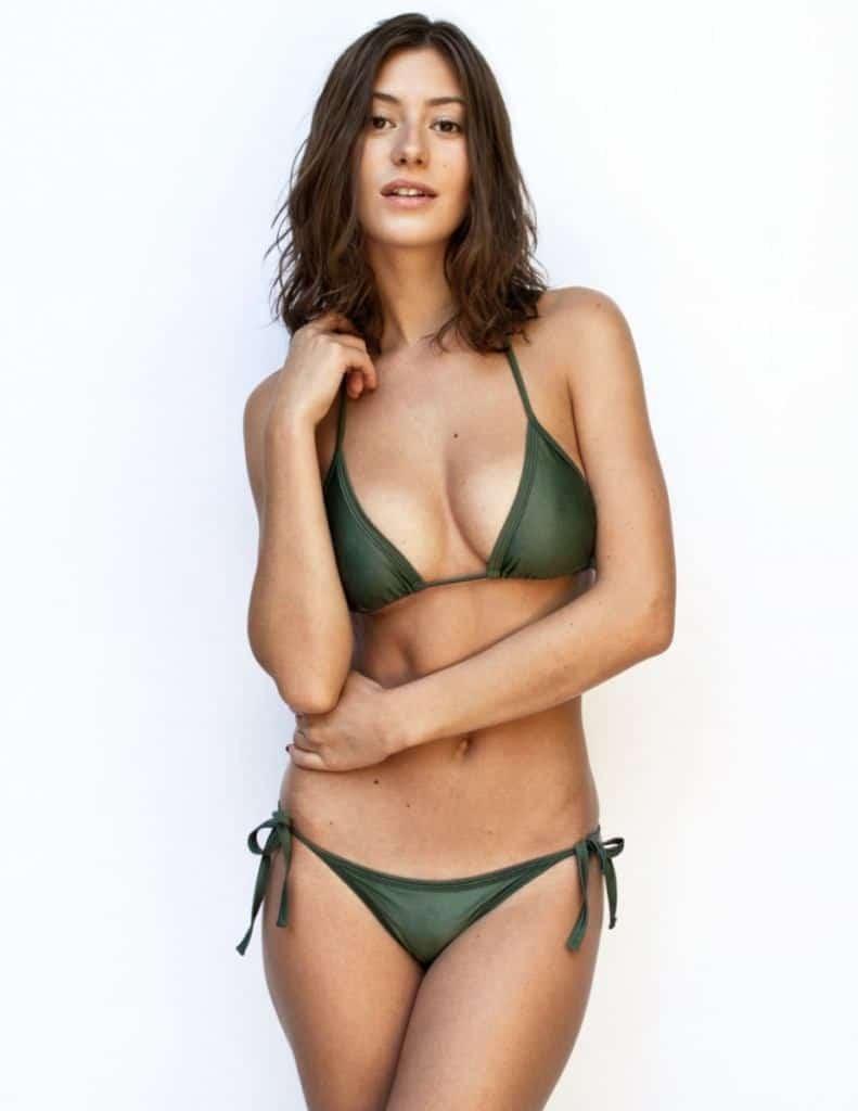 Alejandra Guilmant hot in green bikini