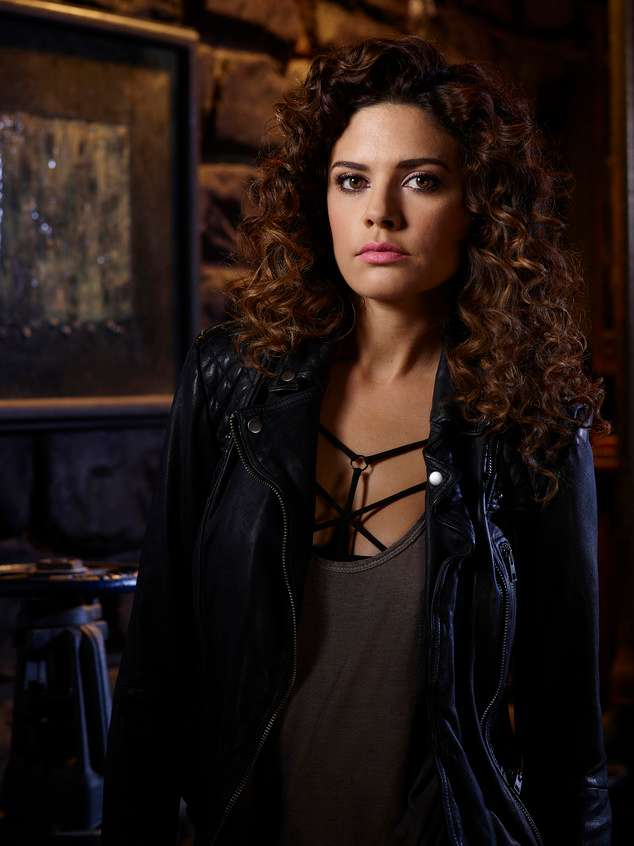 Angelica Celaya curly hair