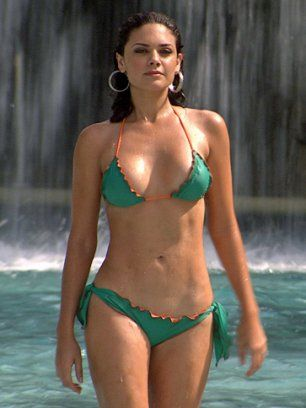 Angelica Celaya hot in the pool