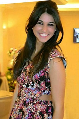 cute Algerian babe with a sweet smile