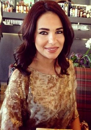 simple Algerian woman