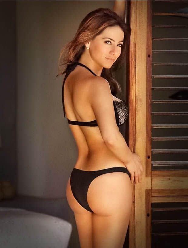 Claudia Lizaldi booty