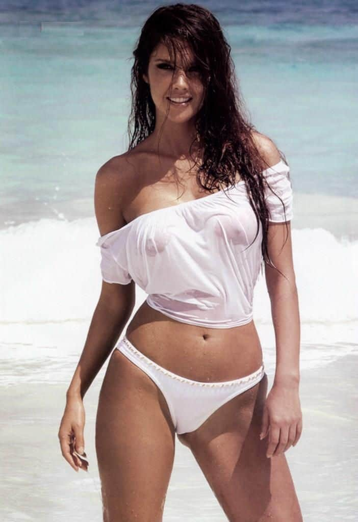 Marlene Favela beach body