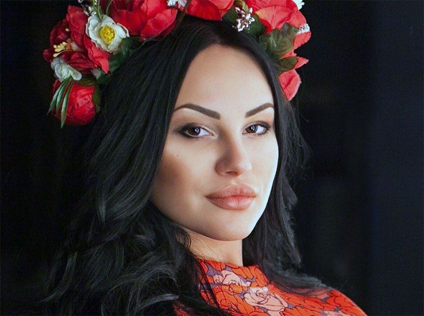 tempting Belarus girl with flower crown