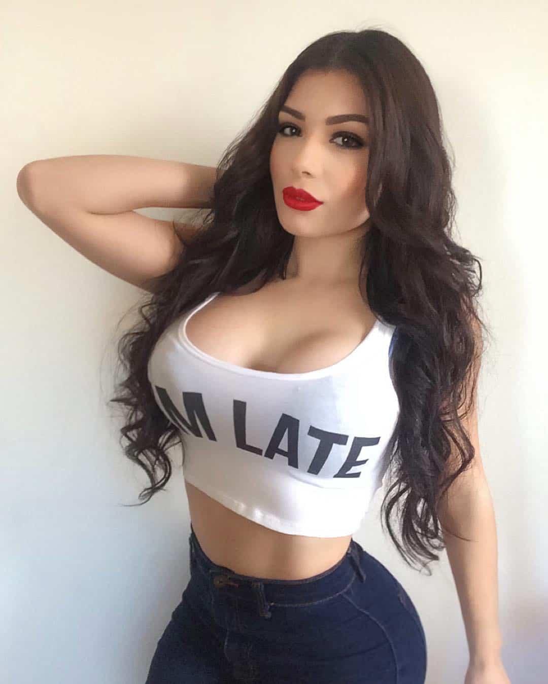 Tracy Saenz hot hot hot