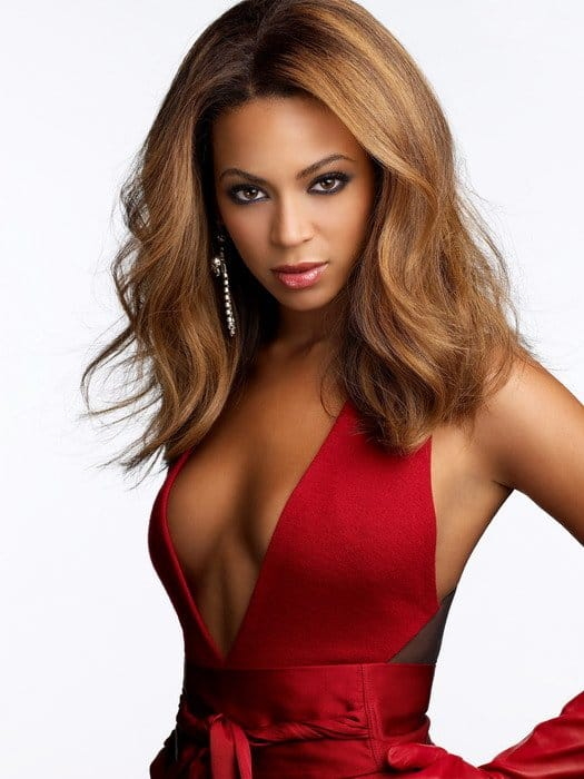 Beyonce stunning in red dress