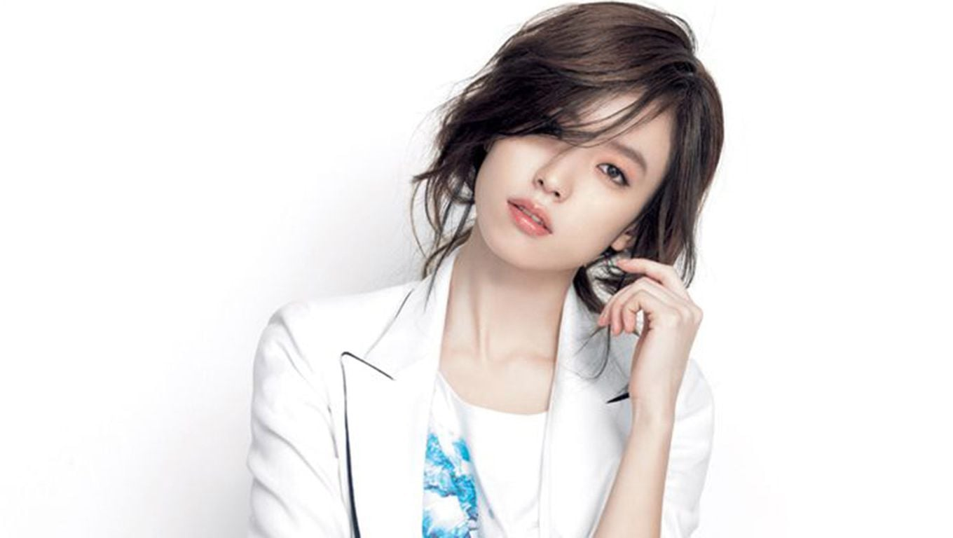 Han Hyo Joo simple and cute