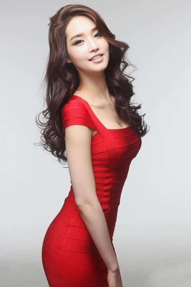 Kim Yu-Mi sexy in red dress