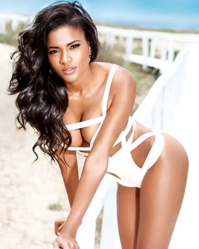 Leila Lopes hot in white