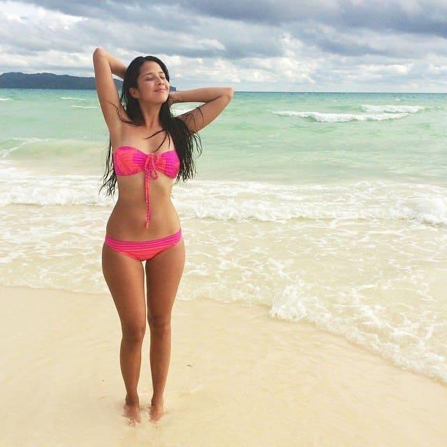 Maxene Magalona curvy in pink bikini