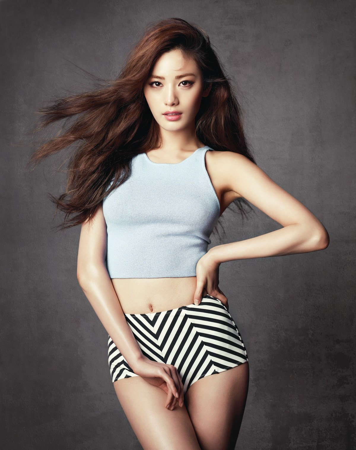 Nana alluring eye candy
