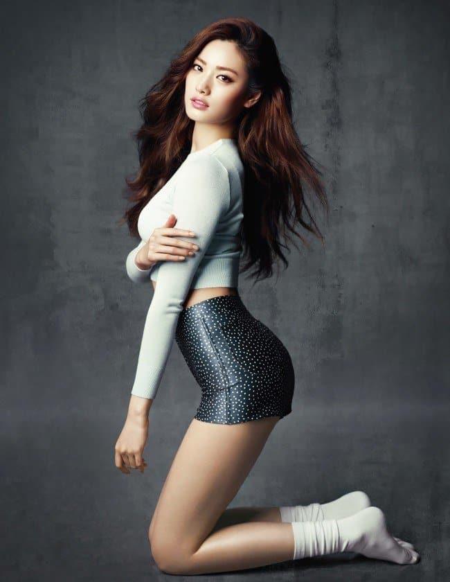Nana sexy curves