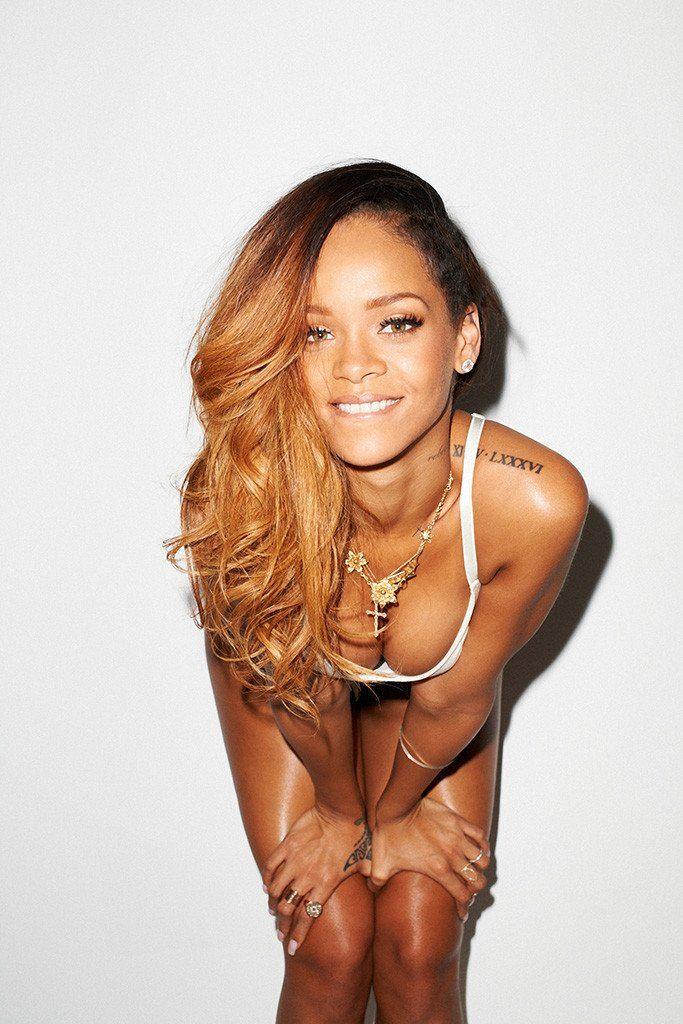 Rihanna sexy singer
