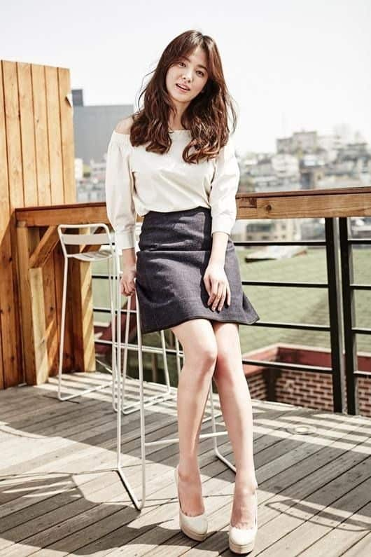 Song Hye Kyo long legs