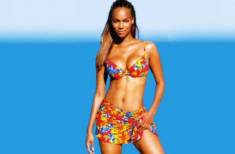 Tyra Banks in floral bikini