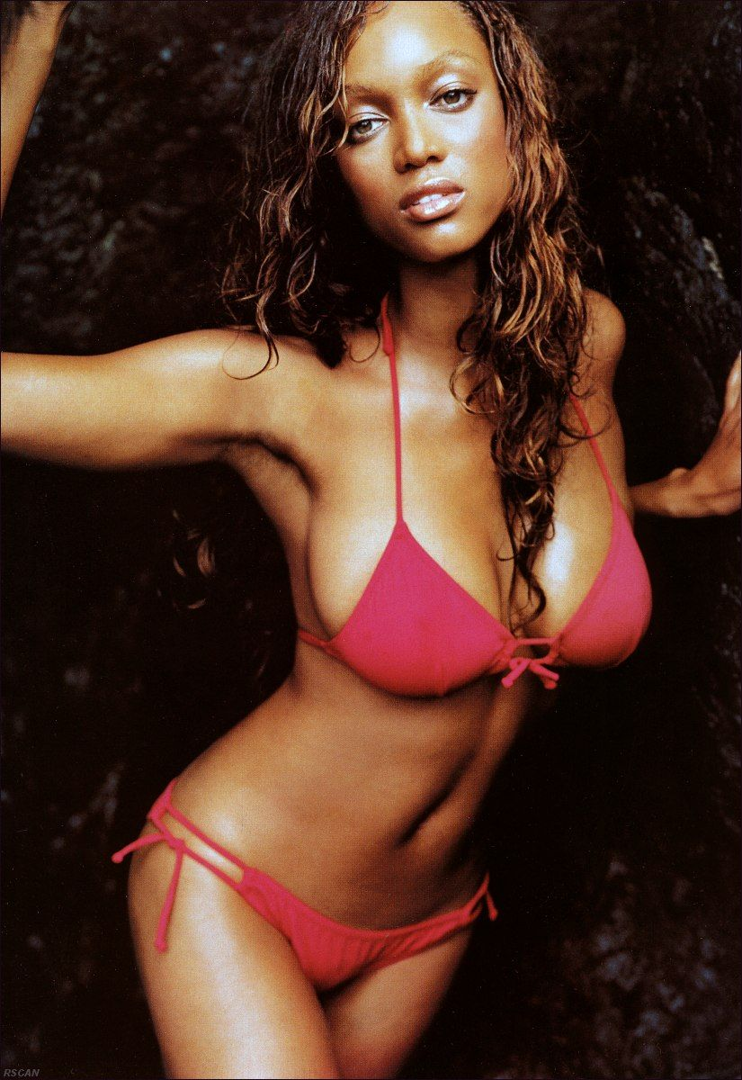 Tyra Banks in red hot bikini