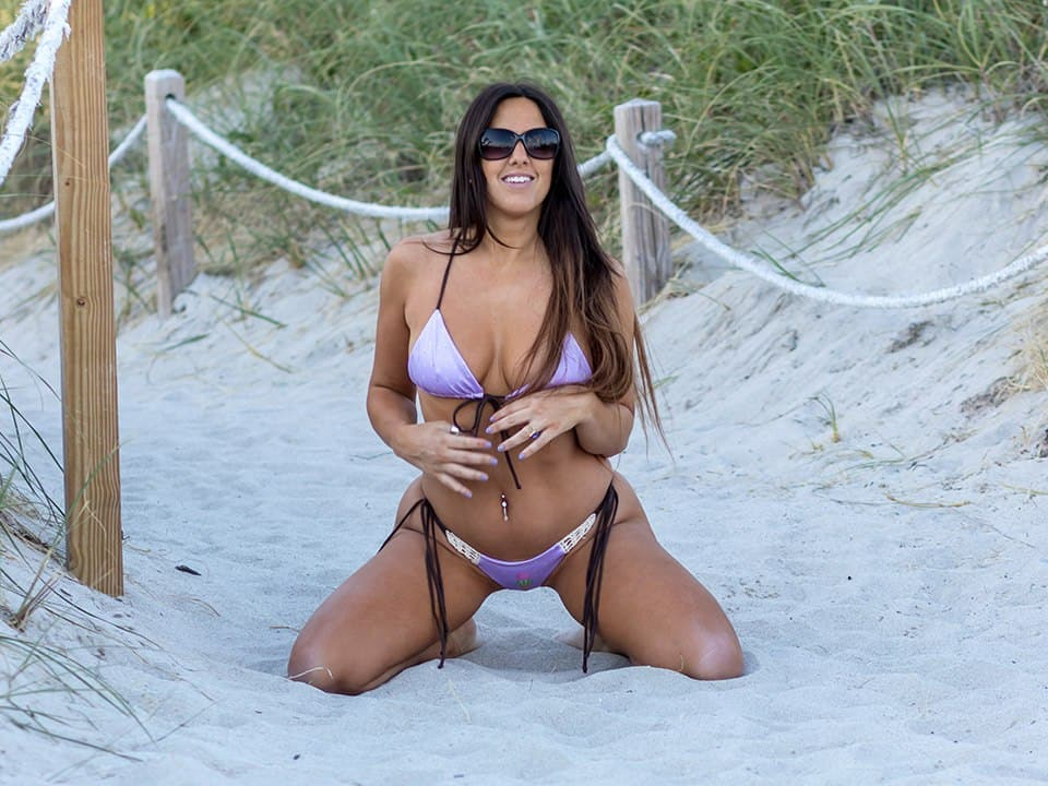 Claudia Romani on the sand