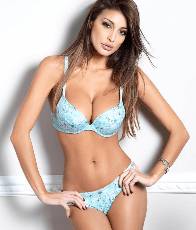 Cristina Buccino perfect Italian model